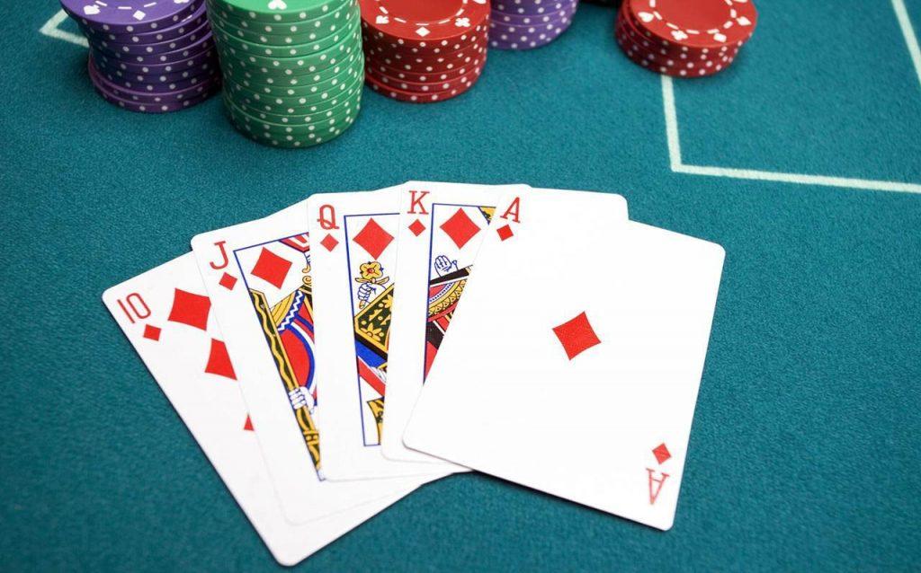 Kapali Poker Hakkinda